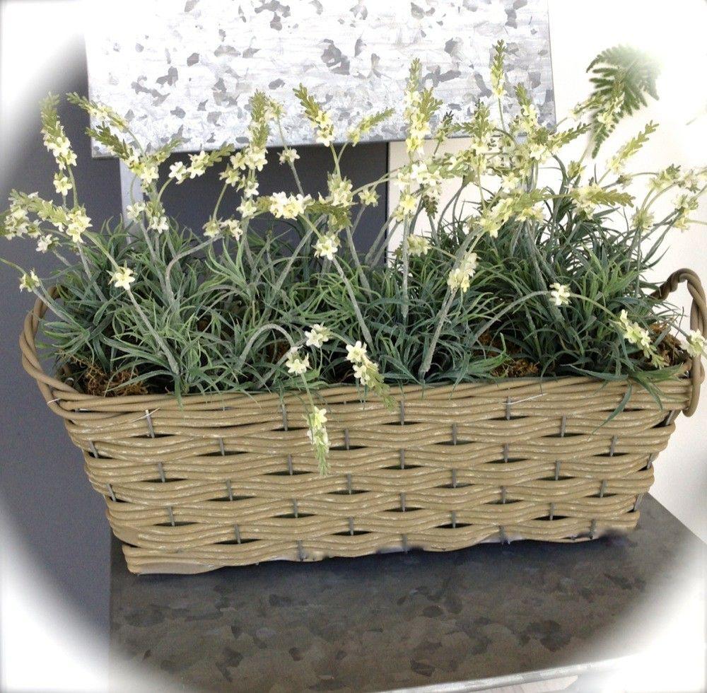 Tags bloembak balkon planten bloembakken planten bloemen bloembakken rieten mand - Decoratie gevel exterieur huis ...