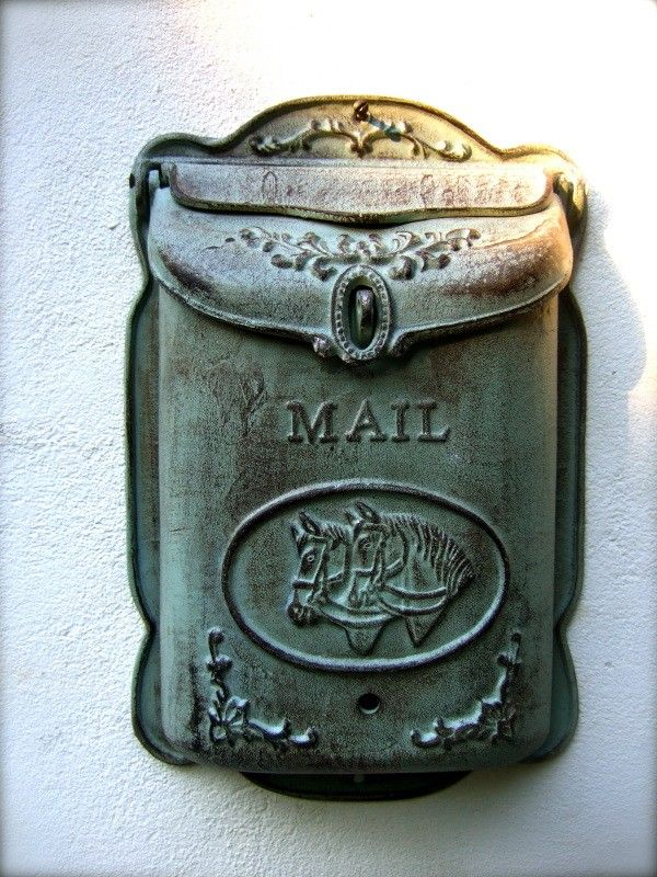 Tags  decoratie, antieke, blauwe brievenbus, nostalgie, landhuis, landelijke stijl, met paard