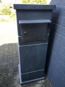 Granietenzuil met postbus zware uitvoering prachtig deco rustique be - Deco huis exterieur ...